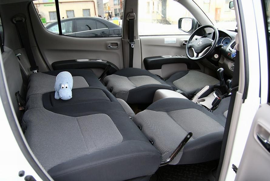 чистка салона автомобиля Мытищи цена