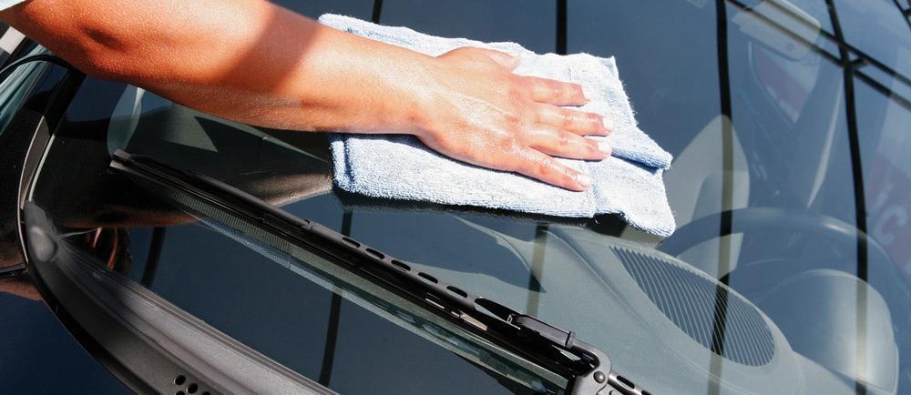 Чем заделать скол на лобовом стекле автомобиля