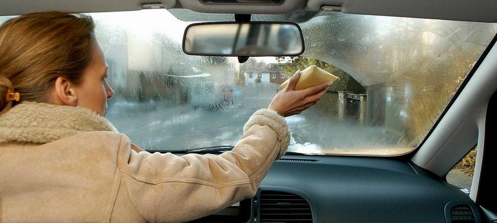 Как высушить салон автомобиля от воды