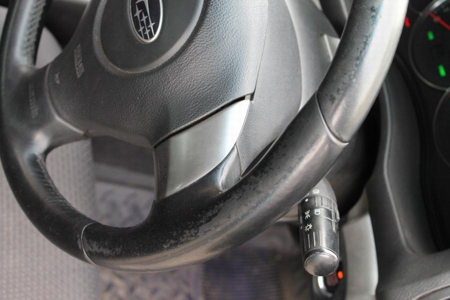 Потёртости на руле вследствие большого пробега