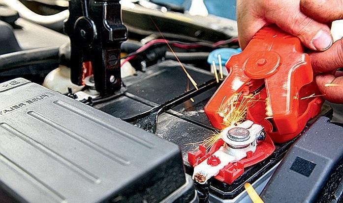 Автомобильный аккумулятор может представлять опасность