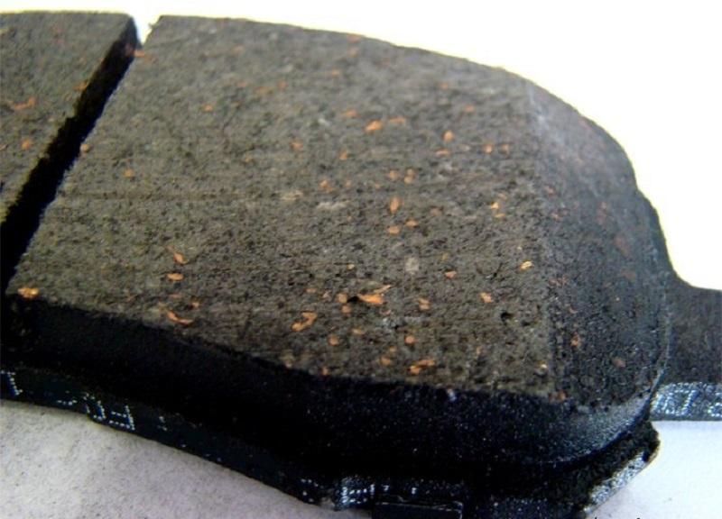 Колодка с мягким антифрикционным материалом