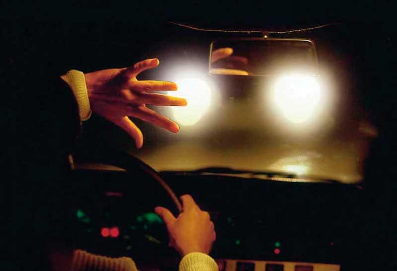 Ослепление водителя из-за неправильной настройки фар