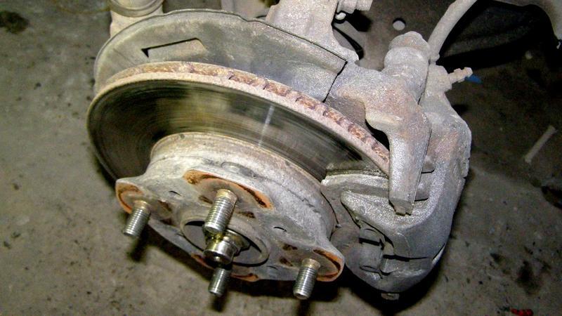 Трение кривого диска об колодки