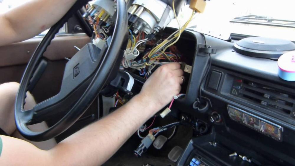 Установка дорогой сигнализации на дешёвый авто