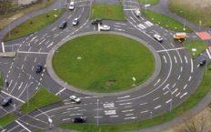 Как проезжать перекрёсток с круговым движением