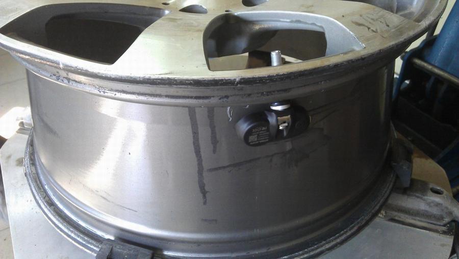 Встроенный датчик измерения давления в шинах