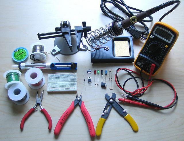 Инструменты для установки сигнализации