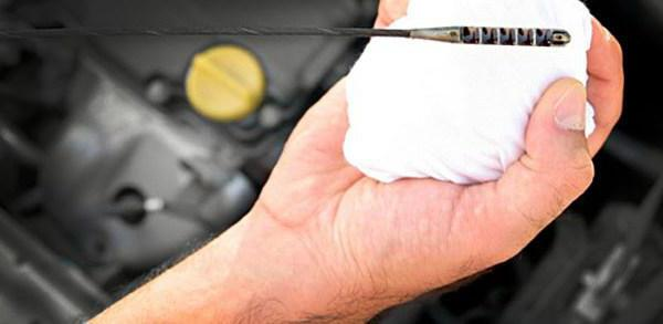 Уходит уровень масла в двигателе