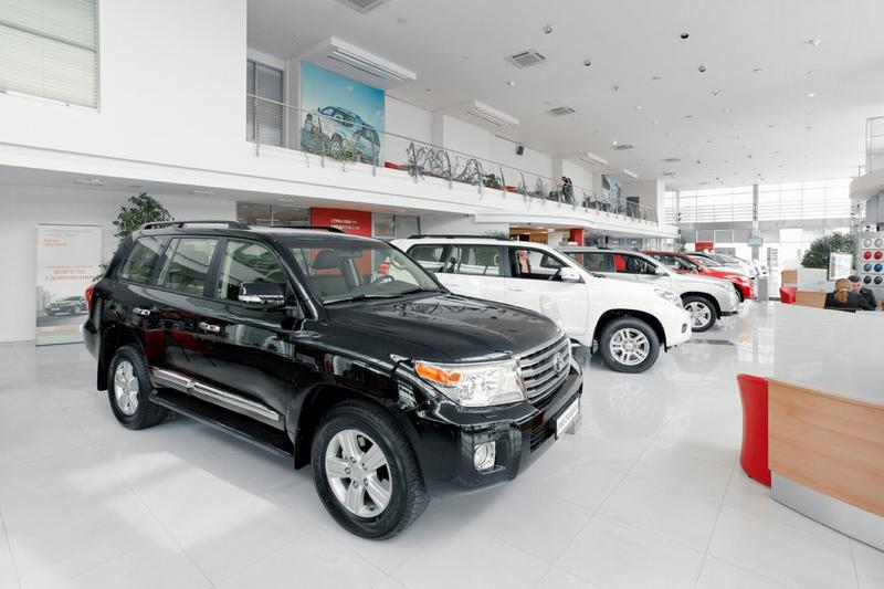 Продажа кредитного автомобиля через автосалон