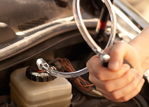 Удаление воздуха из тормозной системы с ABS