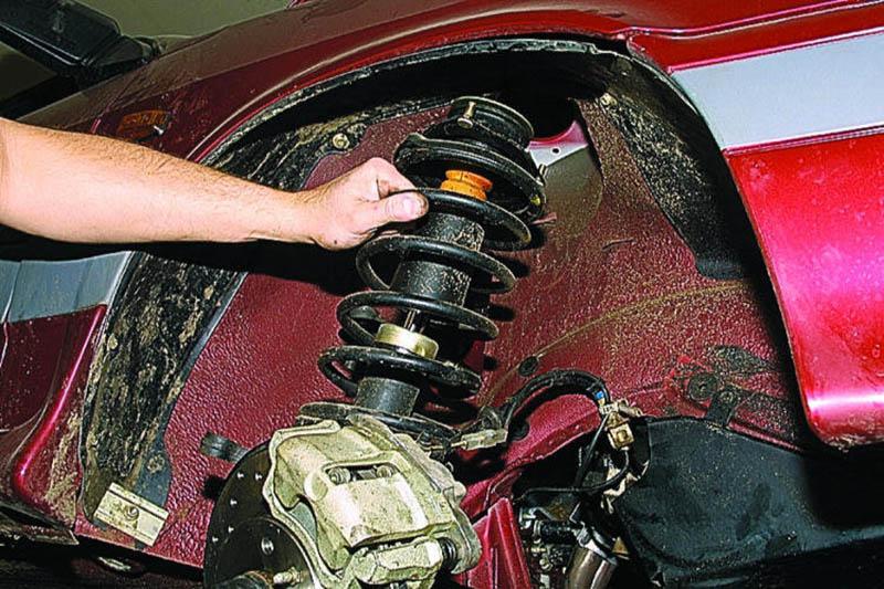 Демонтаж пружины передней подвески
