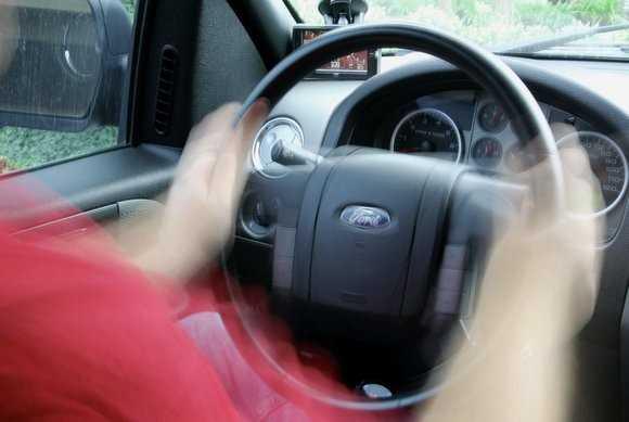 Вибрация на руль из-за дисбаланса колес
