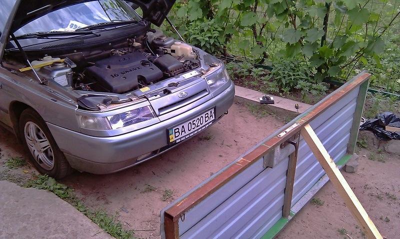 Подгон автомобиля к вертикальной стене