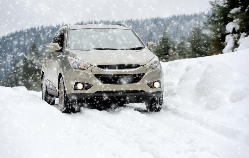 Автомобиль на всесезонках зимой