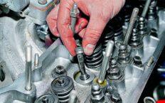 Как поменять маслосъемные колпачки в автомобиле