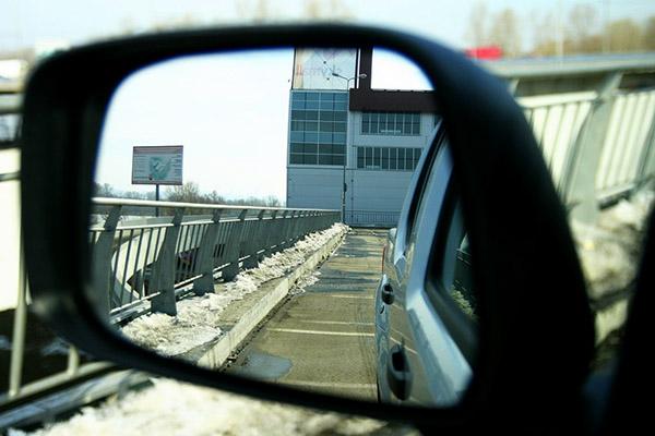 Регулировка левого зеркала