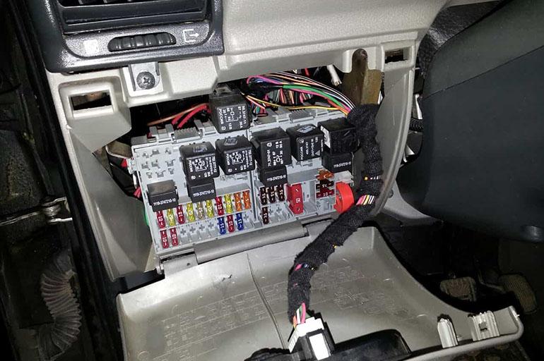 Разборка панели машины
